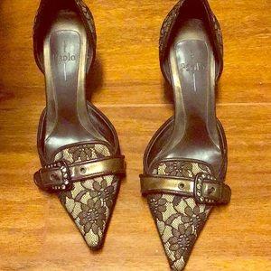Lines Paola heels